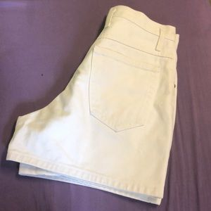 Vintage (pre 1995) HOLLYWOOD jean shorts in white